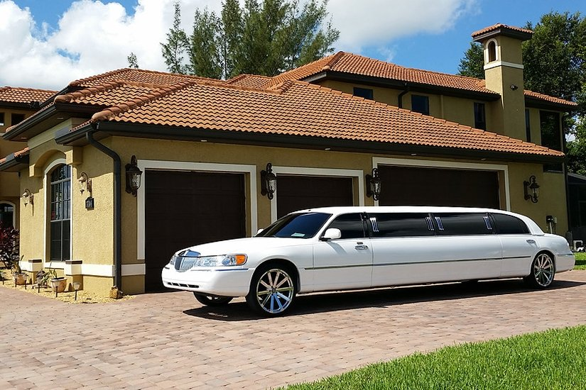 Imperial Lincoln Town Car Stretch Limousine