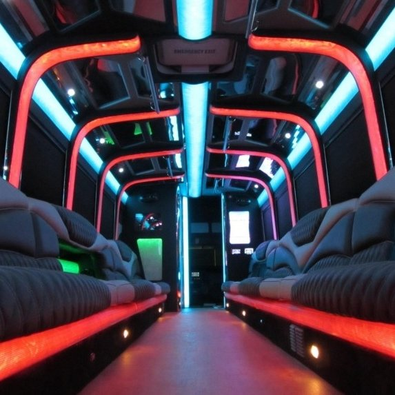 Freightliner Limo Bus
