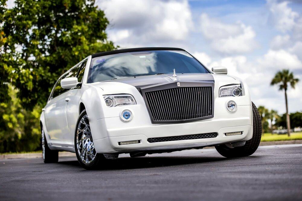 Rolls Royce Phantom 300 Exterior