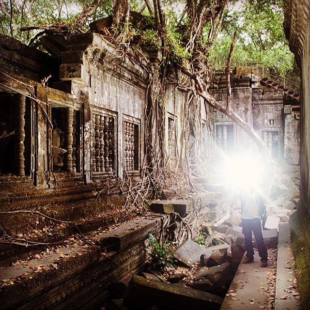 A flash back to the past - behind the scene of Tomb Raider . . . . . #ancientruins #siemreap #explorecambodia #travelandleisureasia #destinasia #ig_cambodia #letsgoeverywhere #travelgram #travelphotography #travelandlife #nakedplanet #roamtheplanet #worlderlust #welivetoexplore #exploretocreate #createexplore #artofvisuals #neverstopexploring #doyoutravel #justgoshoot #agameoftones #architecturephotography #worldtravelbook #natgeotravelpic #cntraveler #passionpassport #tlpicks #bbctravel #beautifuldestinations #stayandwander