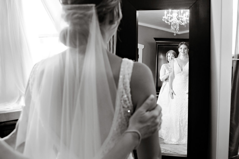 ManorHouseWeddingPhotographer.jpg