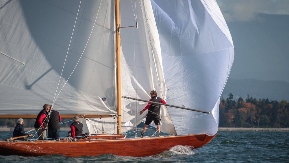 R-Class Boat Ace heading downwind