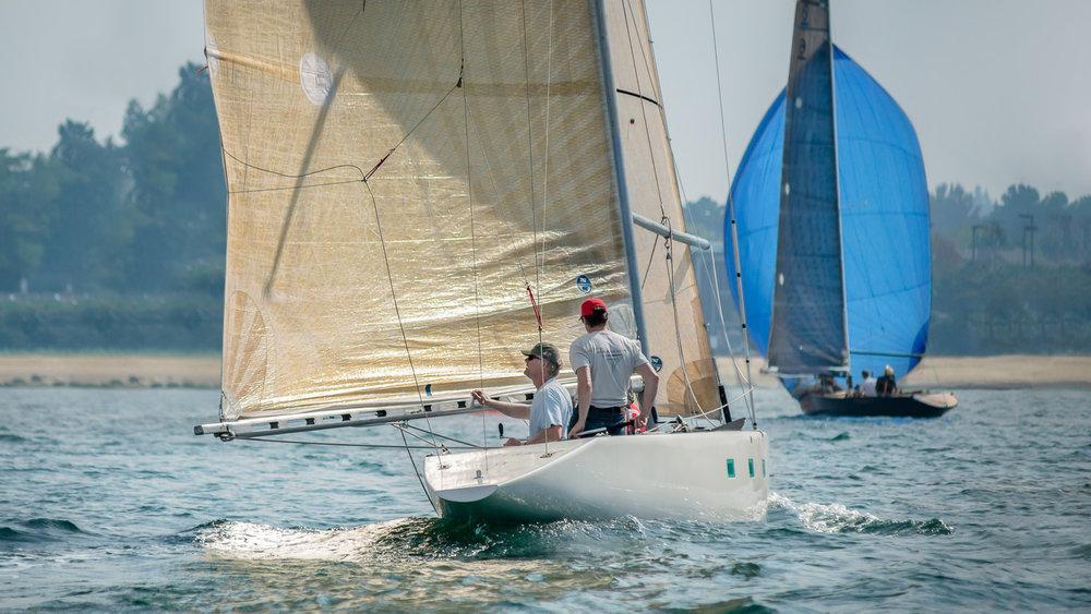 6 Metre yacht bearing off