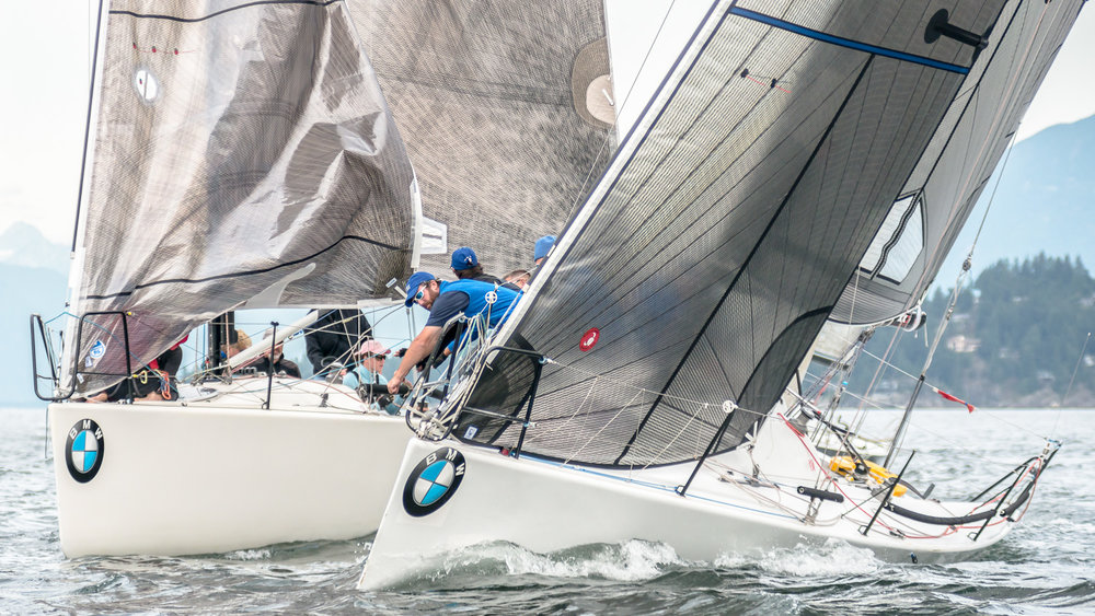 Farr 30 tacking away