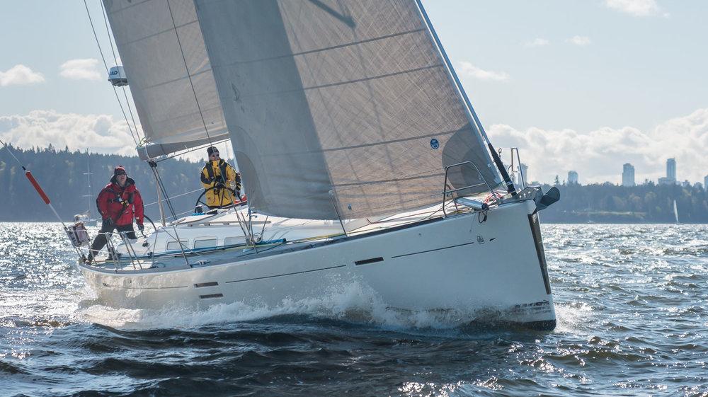 Alegria sailing upwind