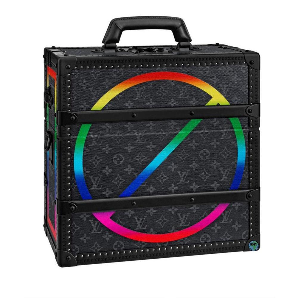 VINYL RECORD TRUNK - M20188€20,000 $27,300MONOGRAM ECLIPSE RAINBOW