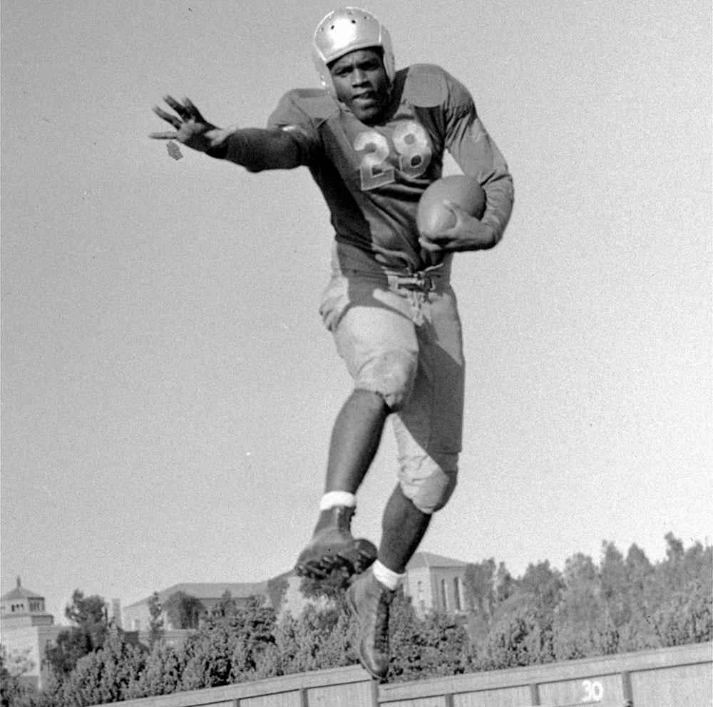 02-1939-UCLA-football.jpg