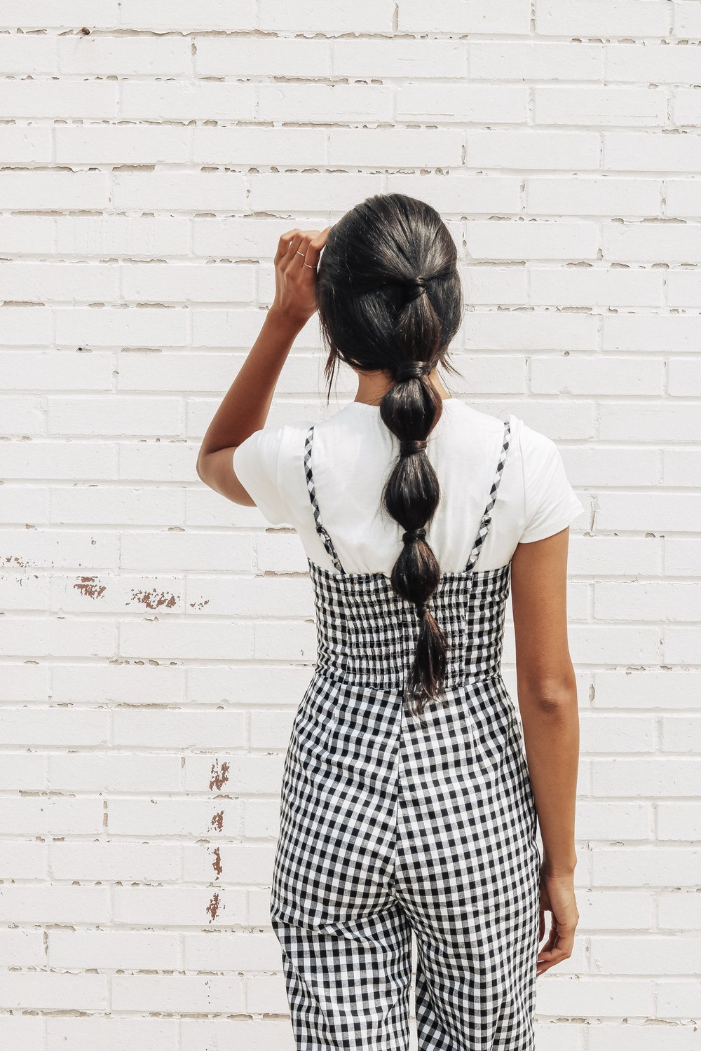 Bubble Pony - This is such a simple way to dress up a ponytail- all you need is 5 little elastics!! It also looks super cute in a high-pony too!