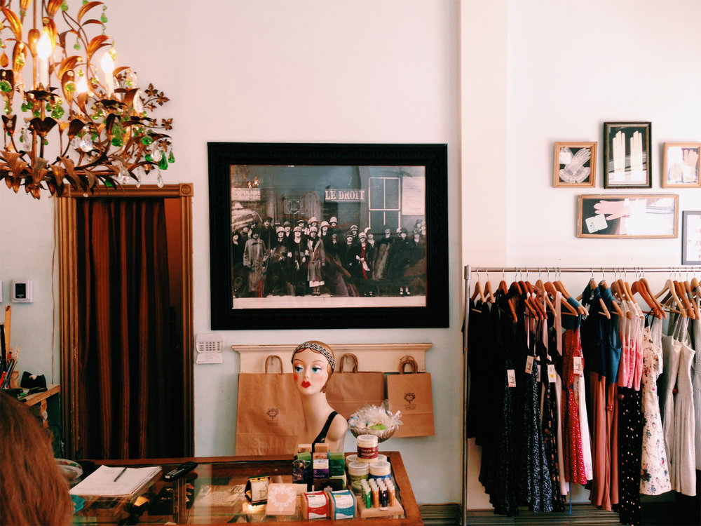 Vintage shopping in Mile End, Montreal via Lora Weaver Mysteries by Katy Leen