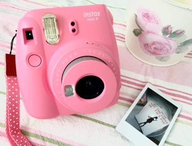 katyLeen_author_pinkCamera.jpg
