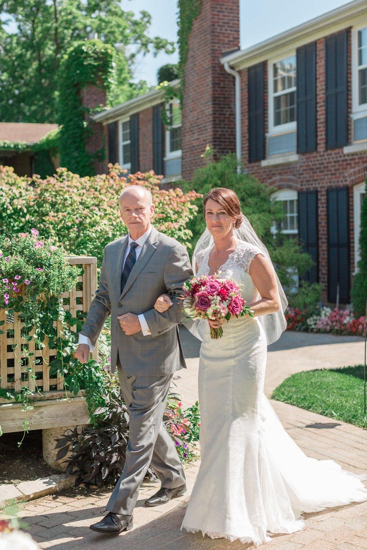 Katie-Howell-Photography-Wedding-Niagra-Falls-Pillar-and-Post7.jpg