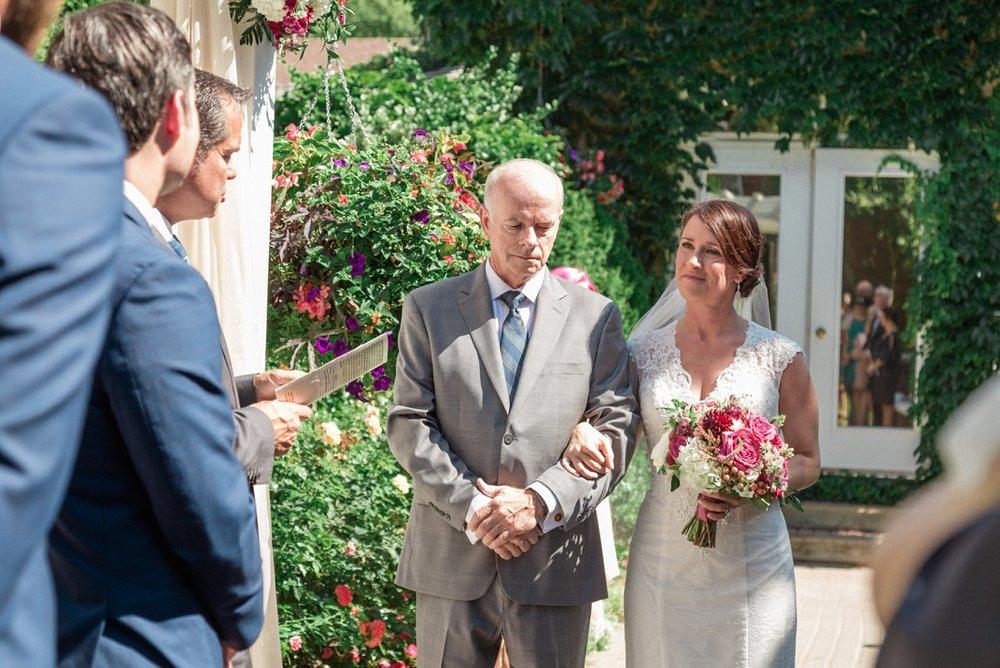 Katie-Howell-Photography-Wedding-Niagra-Falls-Pillar-and-Post11.jpg