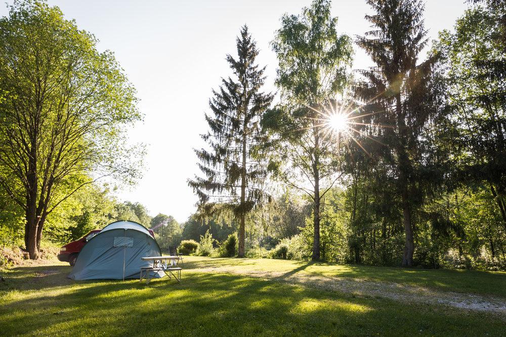 Touristik 2 - Urlaubsgäste20 StellplätzeRuhige LageOptimal für UrlaubsgästeW-LAN (Grundversorgung)Keine Parzellierung