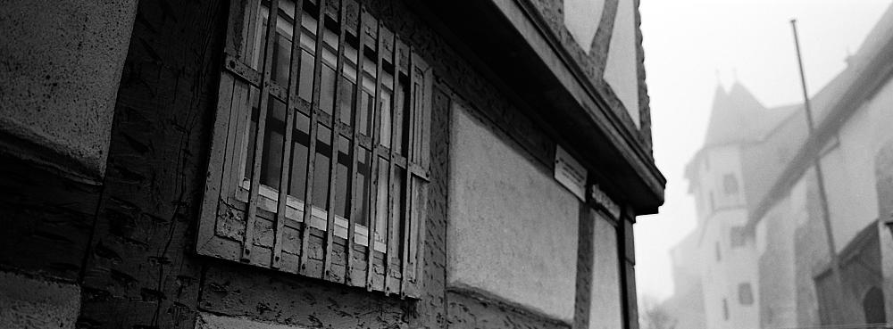 2018-08-31-1578-kronberg altstadt polaroid.jpg