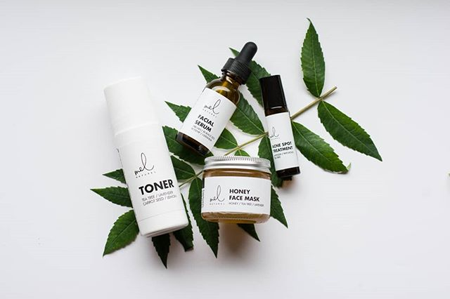 Happy Spring! Welcome the warmer weather with beautiful & blemish free faces using our Acne Prone Bundle. 🌿🌞 . . #acnepronebundle #springtime #allnatural #naturalingredients #smallbusiness #eauclairewi #findyou #loveyou #beyou #naturallyyou