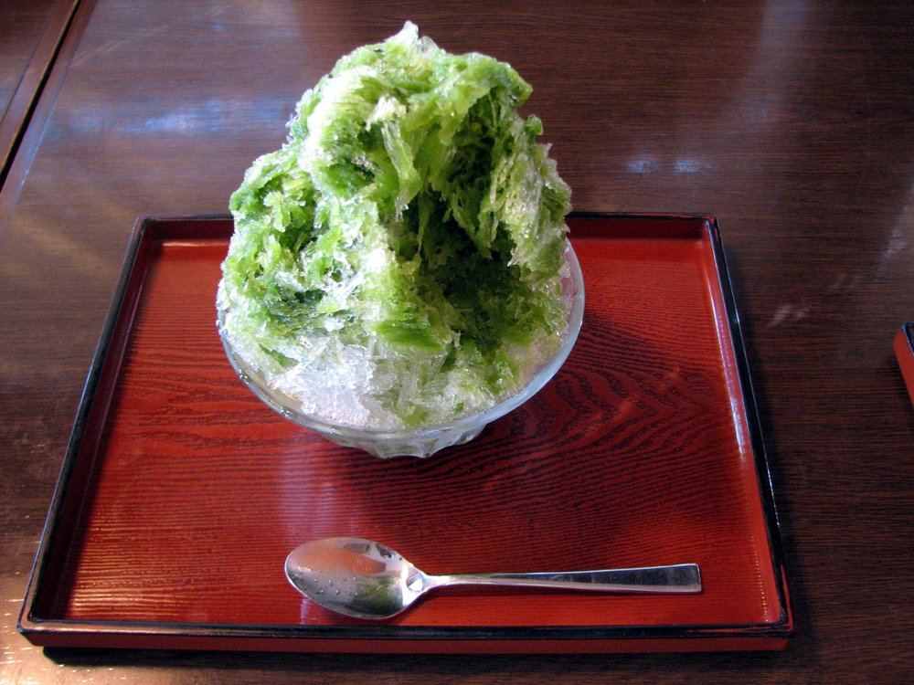 Matcha, or green tea flavored Kakigori snow cone. (Photo:  Chris 73 / Wikimedia Commons )