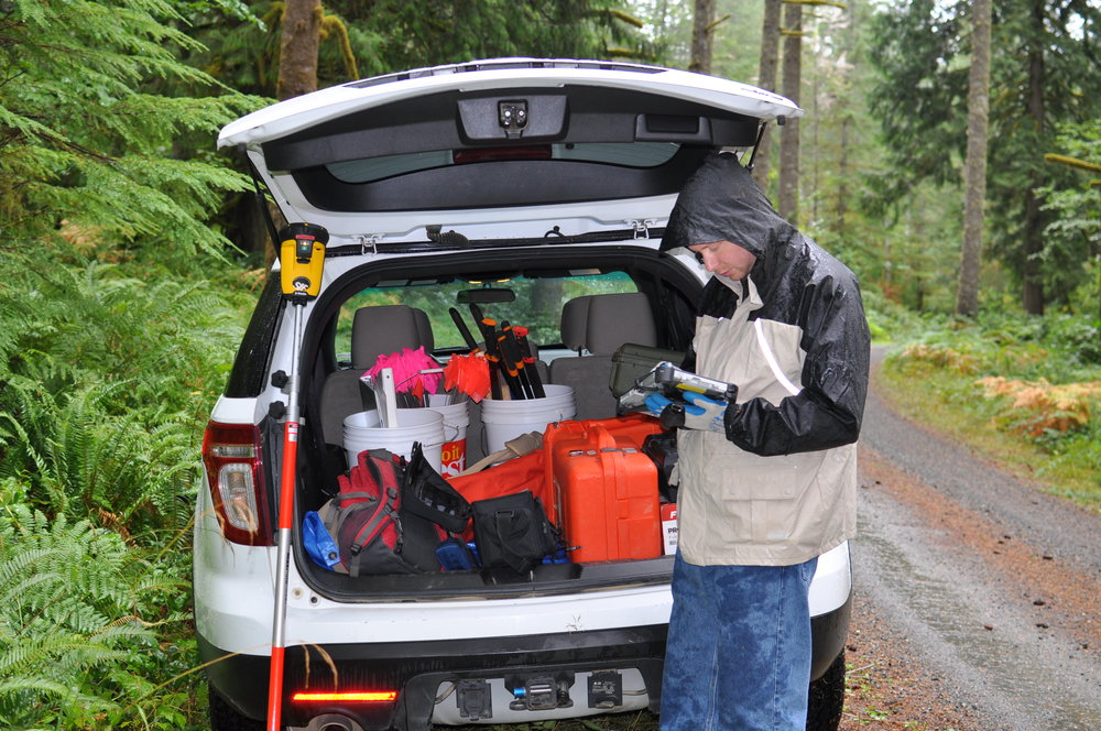 University of Washington researcher David Carlson prepares before doing survey work.  Photo: Rodrigo Solinis-Casparius