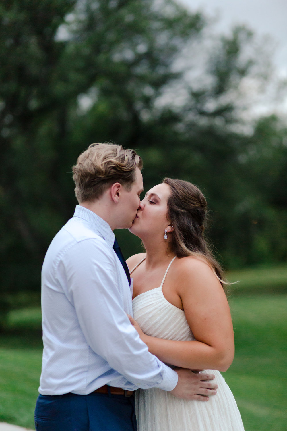 Fargo Moorhead Wedding Photography at the Hjemkomst Center by Chelsea Joy Photography
