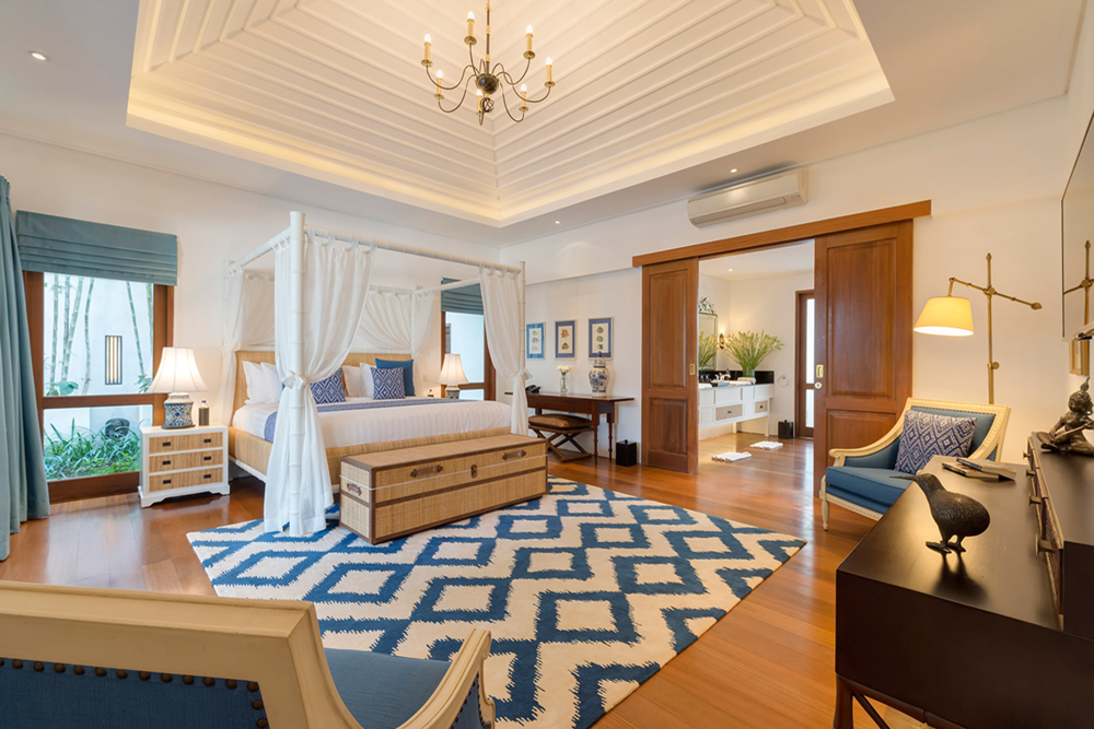 Luxury King Bedrooms - Spacious King Suites with Private Ensuite
