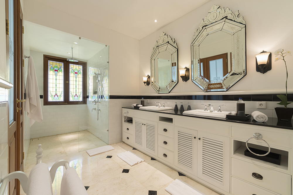 Ensuites - All Bedrooms have their own luxurious private ensuited bathrooms.