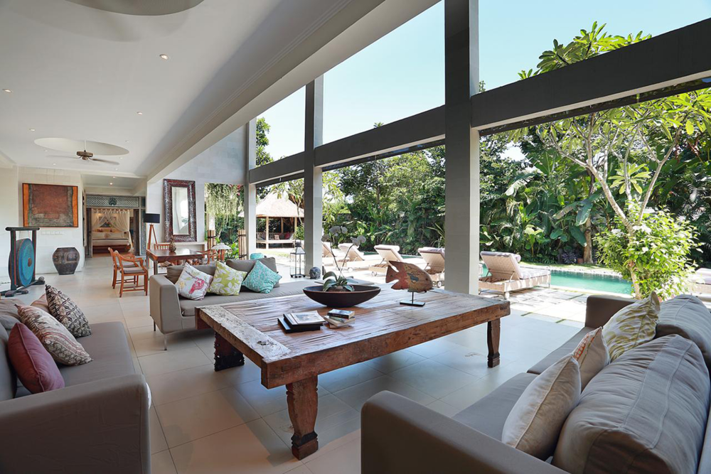 4BedroomVillaWithPrivatePool-LOUNGE-2.png