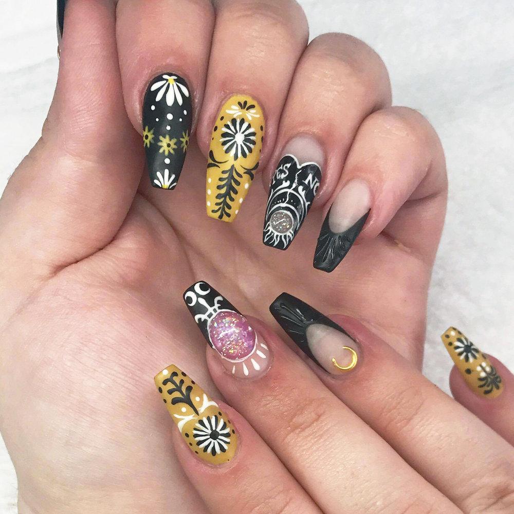 Plume Nail Design