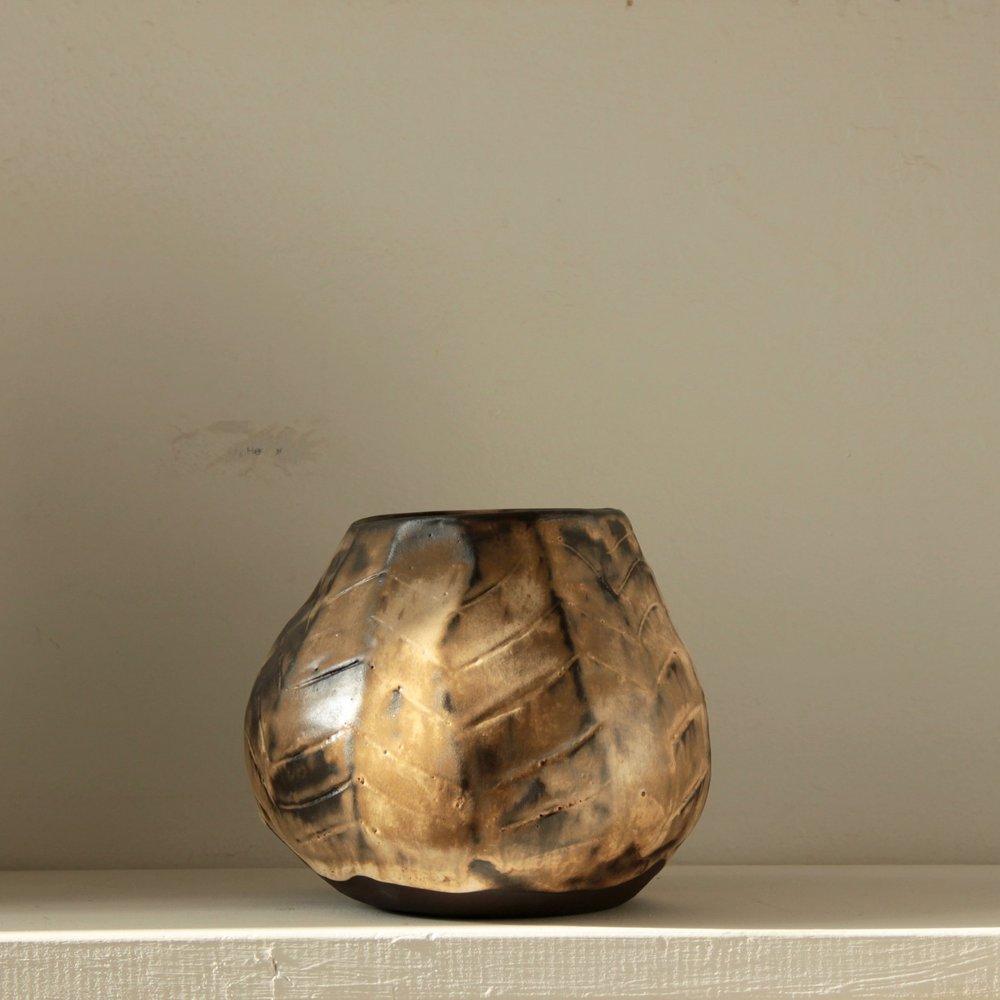 Capuccino cabbage vase