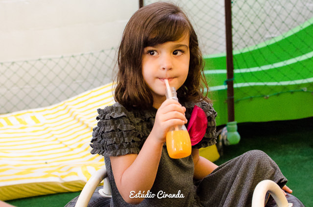 festa-infantil-estela-5-anos-buffet-la-no-quintal-14.jpg