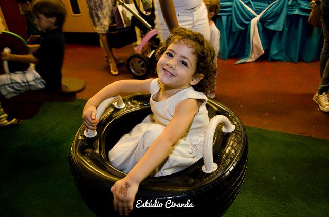 festa-infantil-estela-5-anos-buffet-la-no-quintal-29.jpg