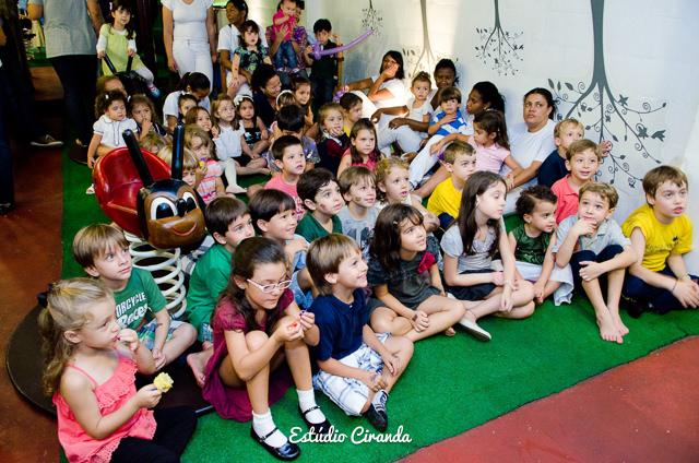 festa-infantil-estela-5-anos-buffet-la-no-quintal-30.jpg