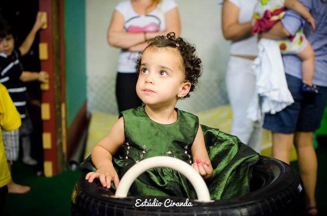 festa-infantil-estela-5-anos-buffet-la-no-quintal-48.jpg