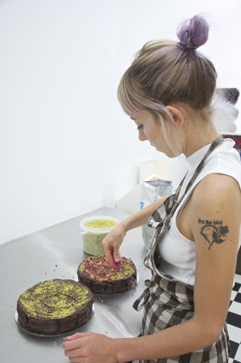 jordan rondel the caker making flourless dark chocolate cake