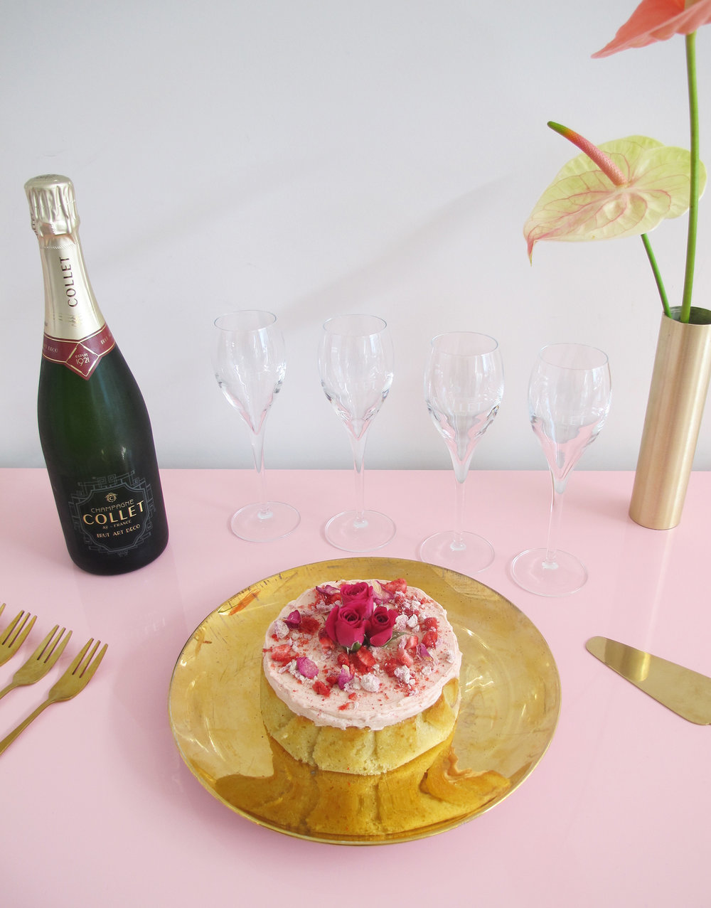 Champagne Cakes by The Caker