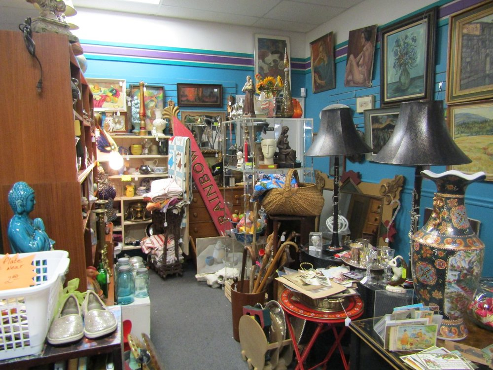 RIVERSIDE ANTIQUE MALL
