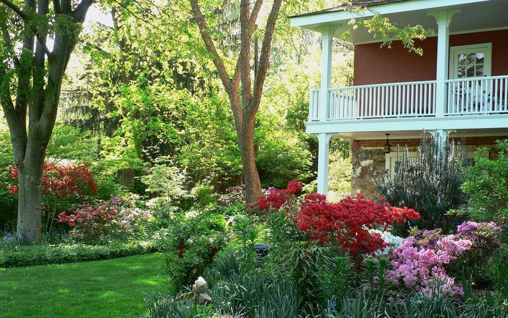 Bowman House, Azaleas, Apr2014 (small).jpg
