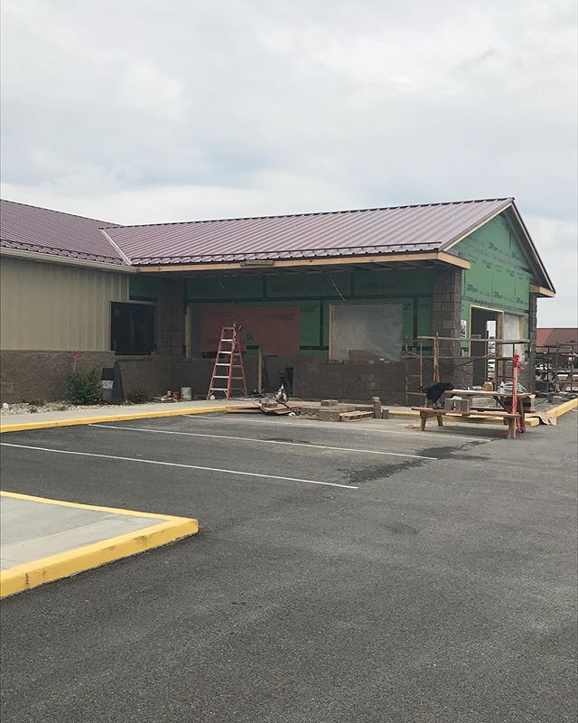 """Progress....we can't wait to add a real live bar to our restaurant!  Stay tuned. Come see it first hand at our """"Cinco de Derby"""" Party. . . #bar  #campbellsville  #greenriverlake"""