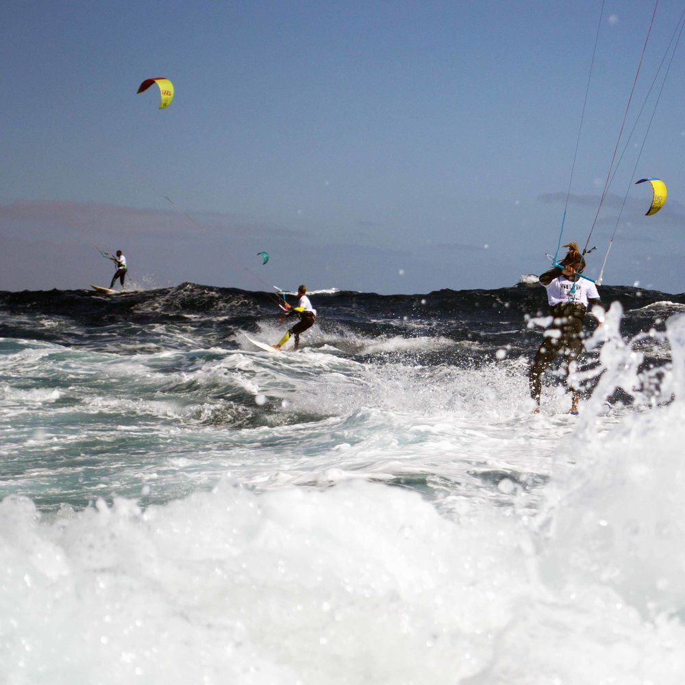 At the Kite Downwind in 2017 we had about 20 knots of wind and 3 meters of ocean swell.