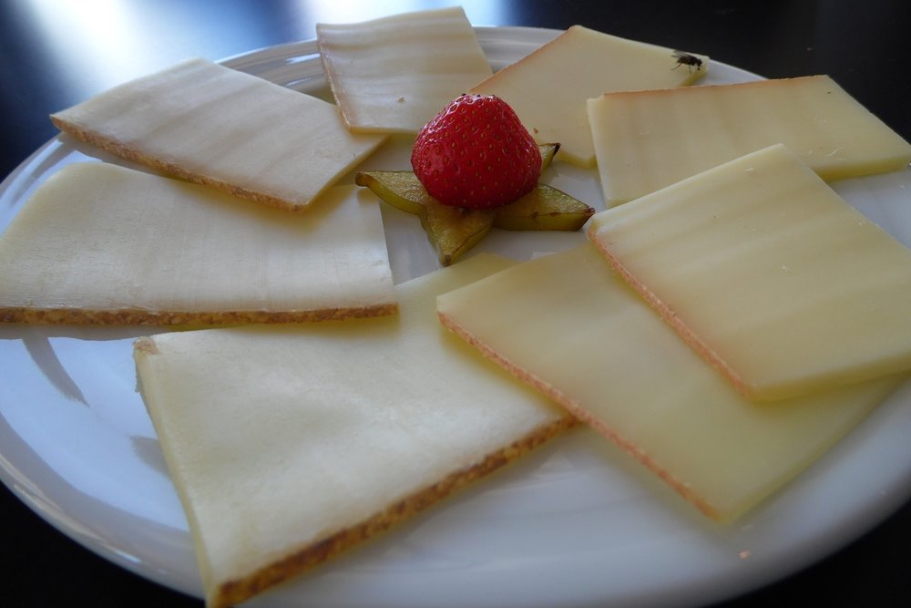 Cheese + Cottage Cheese - Satiety from: protein, fatPairs well with: crackers + fruit + vegetables