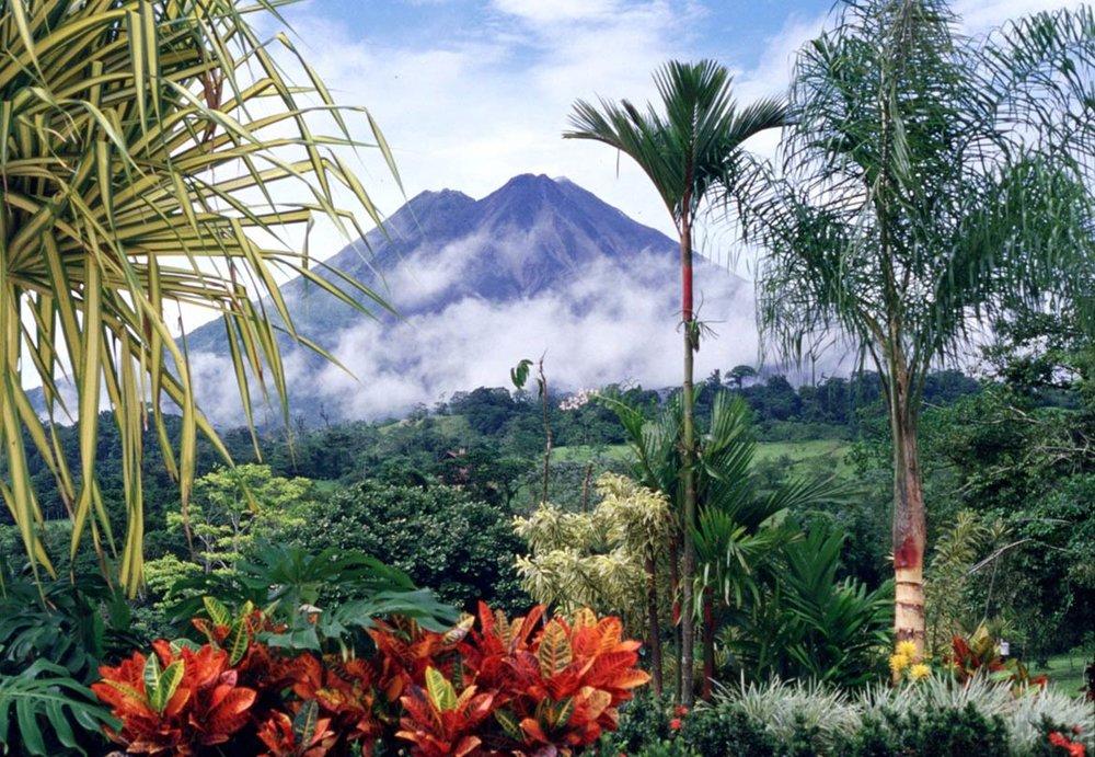 Volcan-Arenal-Costa-Rica.jpg