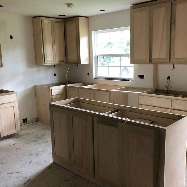 Kitchen Remodel. Cabinet install day. Making progress. #remodel #newkitchen#batonrouge#projectinprogress#interiordesign#interiordesign#cabellcooperdesign