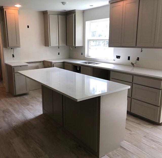 Kitchen remodel coming along. Freshly Painted. Counter top install day.#kitchendesign#kitchenremodel#projectinprogress#interiordesign  #interiors#fresh#cleanlook. #cabellcooperdesign#batonrouge