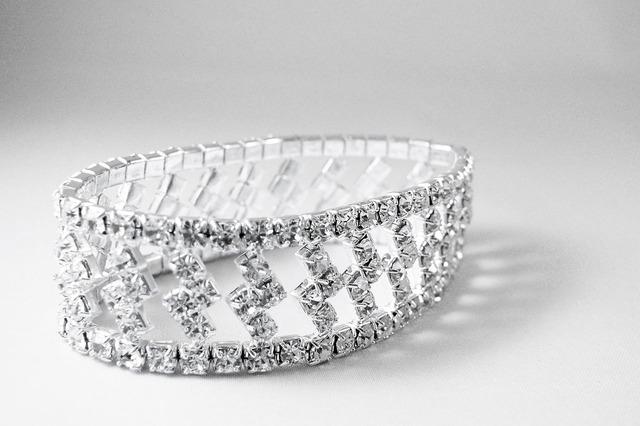 pulsera, oro, blanco, diamantes talla brillante..jpg