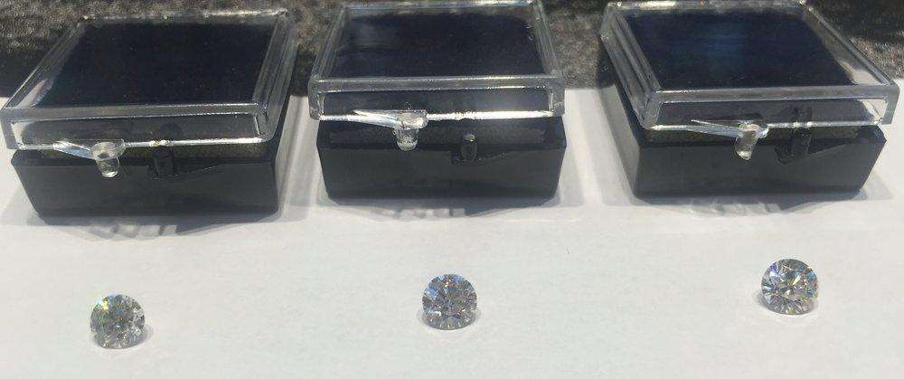 que diamante comprar, calidades de los diamantes, como elegir un diamante, diseños de solitarios, anillos de pedida, como selecciono un diamante, en qué me fijo para comprar diamantes, comprar un  brillante