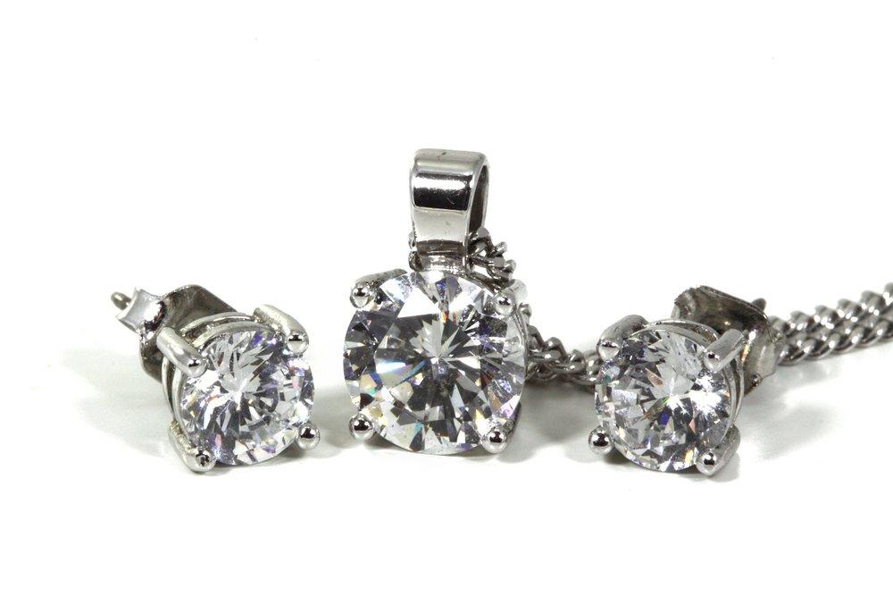 taller de joyería, transformación de joyas, transformar joyas, diseños nuevos de joyas, joyas, joyería, diamantes, cambiar diseños de joyas