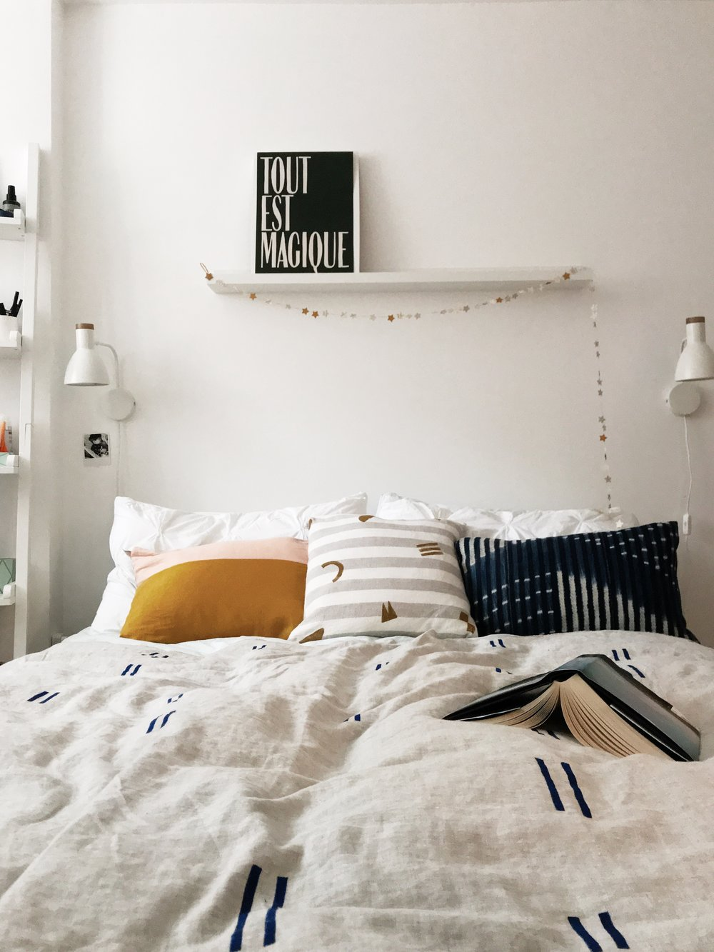 calm interiors | calm design | calm interiors spaces | calm interiors Apartment Therapy | calm interiors colour schemes | calm bedroom | calm bedroom decor | calm bedroom ideas | calm bedroom colours | calm bedroom zen | cosy bedroom | cozy bedroom | cosy bedroom romantic | cosy bedroom romantic bohemian
