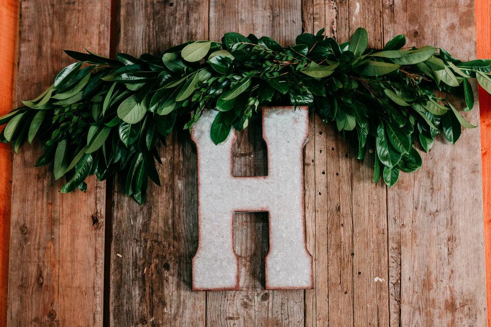 corvallis-oregon-wedding-photographer_Star-Attractions-Hummer-Detail.jpg