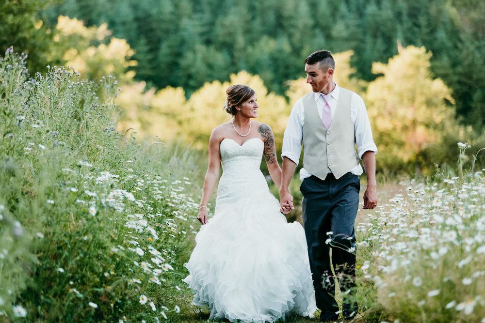 corvallis-oregon-wedding-photographer_Star-Attractions-Hummer3.jpg