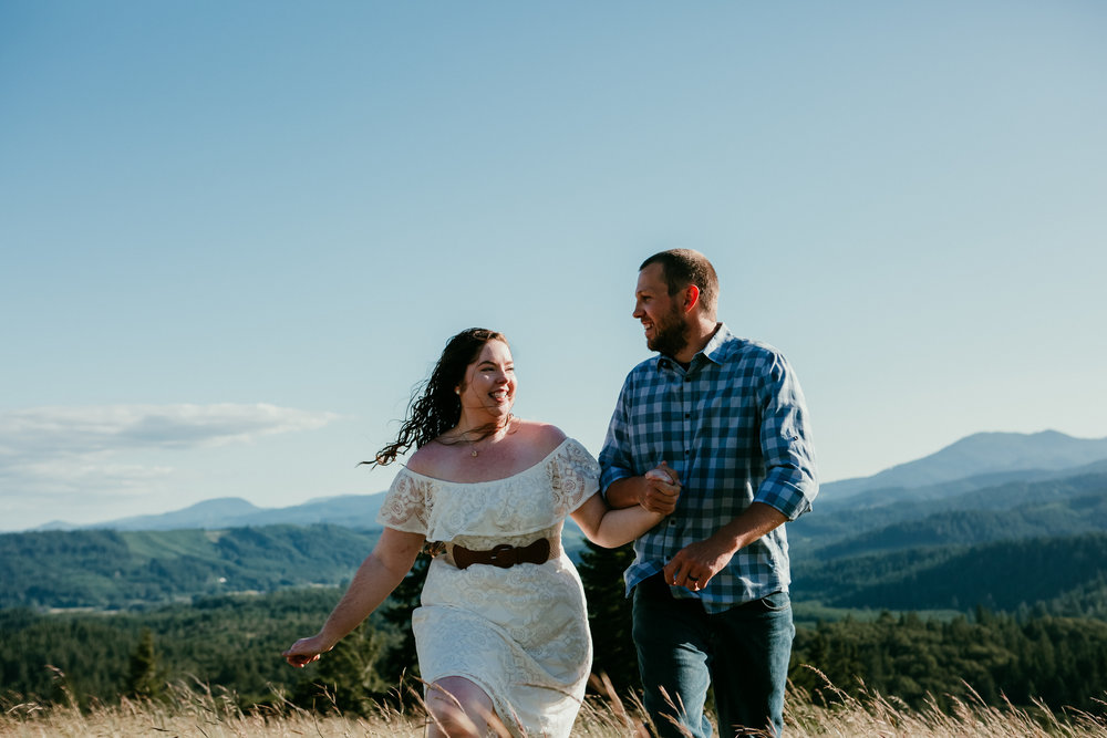 corvallis-oregon-photographer-fitton-green-engagement-photos.jpg