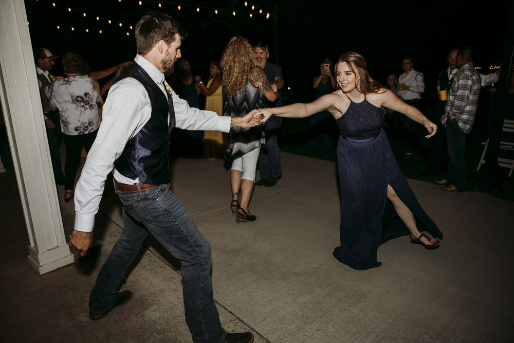 Julie and Rob got married at Yellow Gold Farm in Albany, Oregon. This venue is filled with beautiful old growth oak trees with tons of natural light. After the ceremony, the dance floor came alive with country jams and two-stepping.