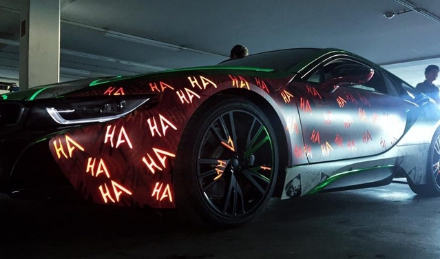 THE BMW I8 LAUGHS AT THE COMPETITION